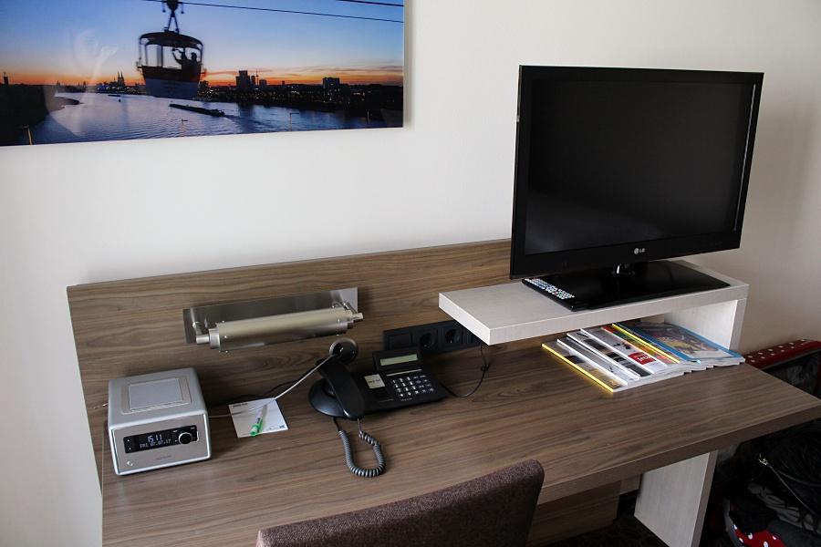hotel in k ln park inn k ln city west hydrogenperoxid. Black Bedroom Furniture Sets. Home Design Ideas