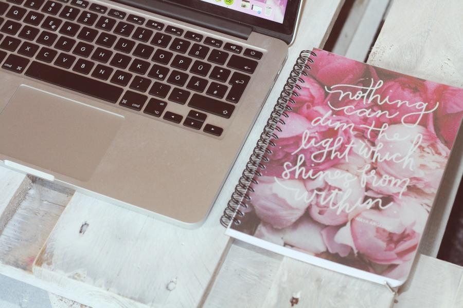 Mac Book and Calendar