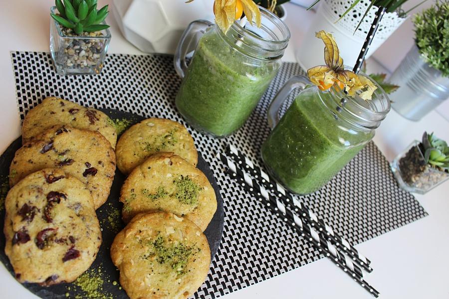 Detox Smootie und Matcha Cookies